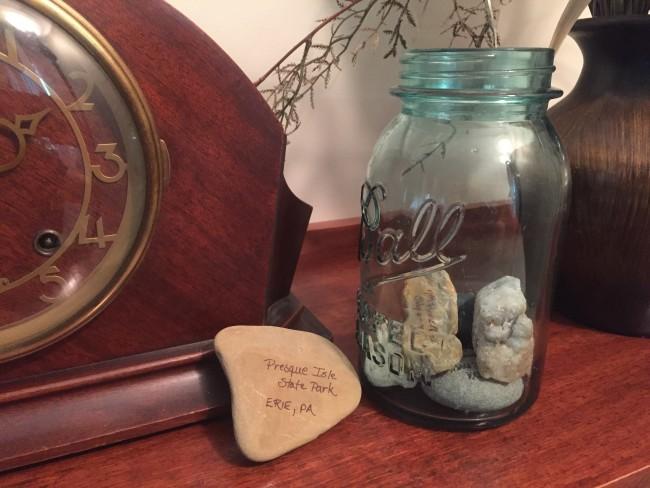 Create a memory jar with rocks